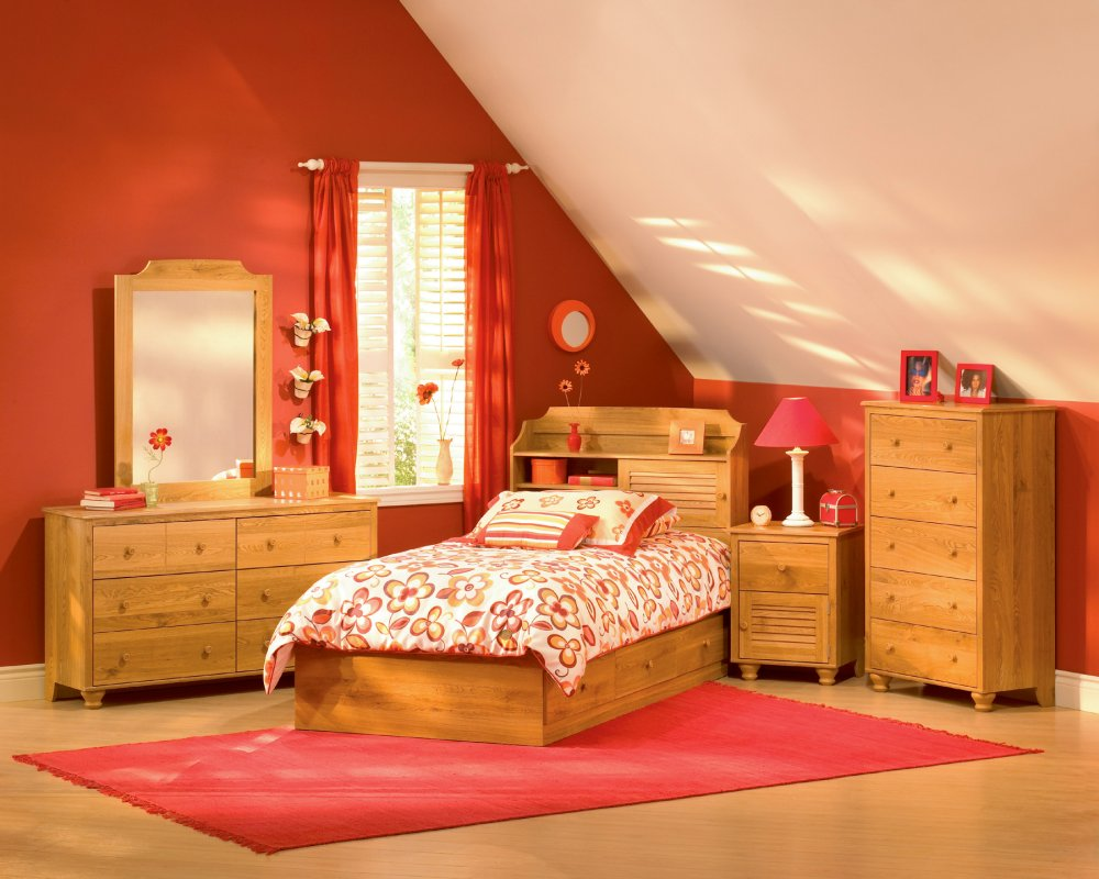 d670a__cute-pink-kids-bedroom-with-wooden-furniturejpeg-for-2013-design-note